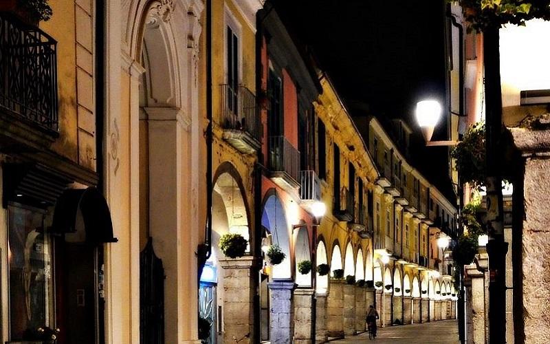 Cava de' Tirreni, i portici