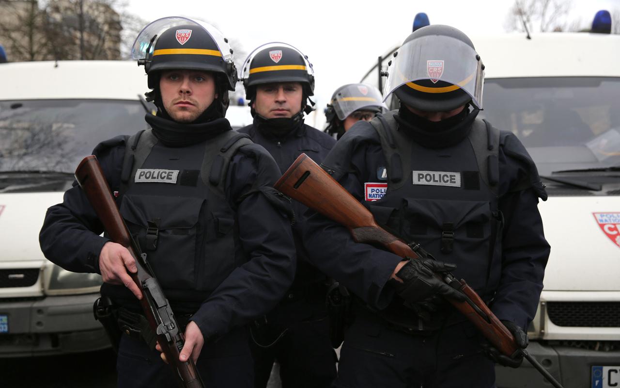 Polizia Francese per attentato