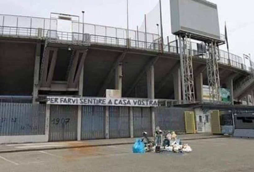Atalanta Napoli fotomontaggio immondizia