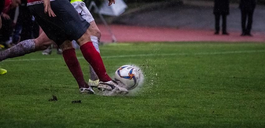 pioggia-campo-pallone